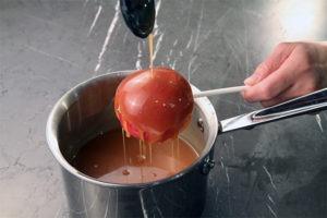 Making Caramel apples