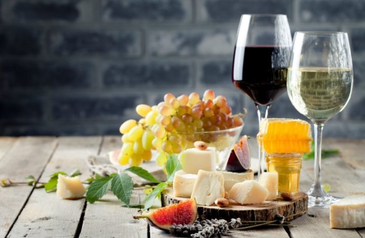 Holiday Entertaining: Thermal Tips for Wine and Cheese