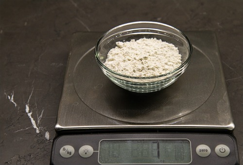 Measuring weight of flour