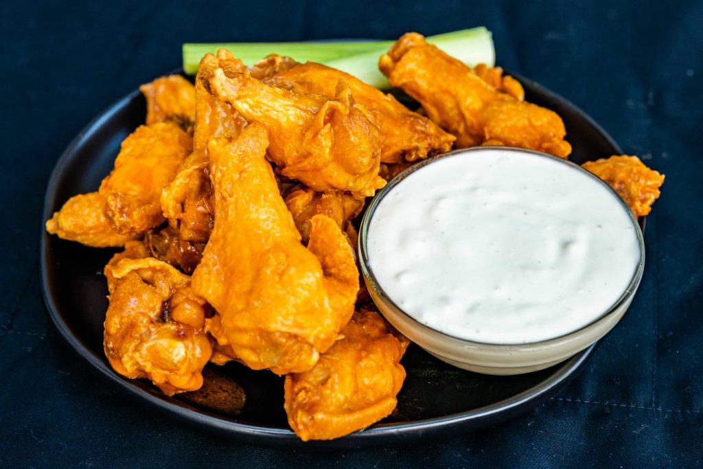 Crispy, spicy chicken wings