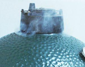 smoking brisket on the big green egg