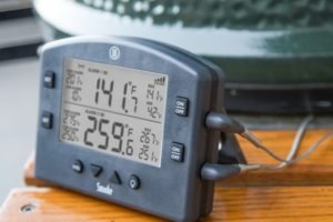 Smoking brisket temperature measurement with Smoke