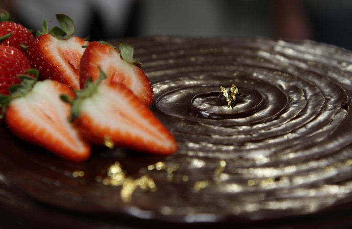 Thermal Tips: Chocolate-Covered Strawberry Cake