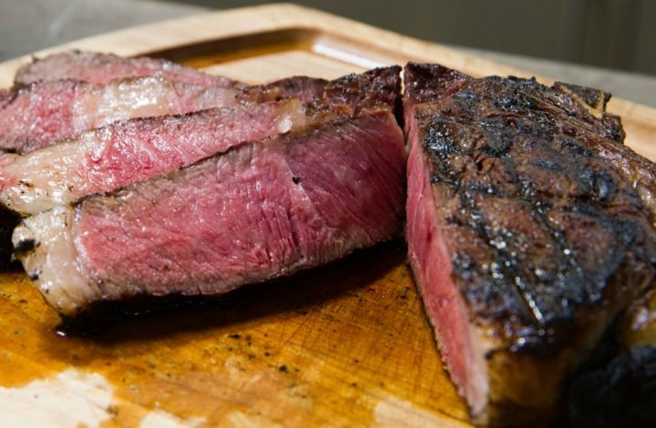 Grilled Tomahawk Steaks: Temp Tips for Oversized Cuts