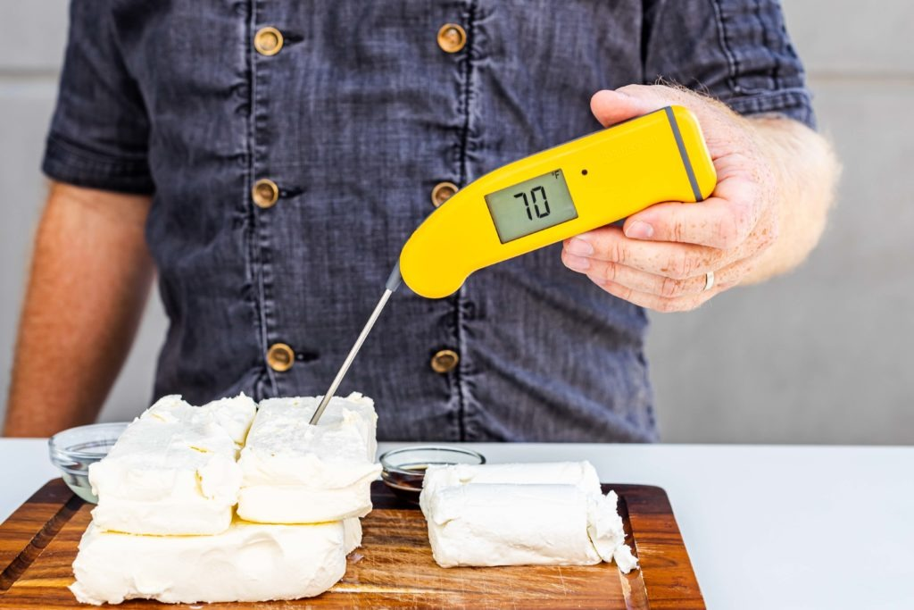 Use reoom temperature ingredeints for cheesecake, like this 70°F cream cheese