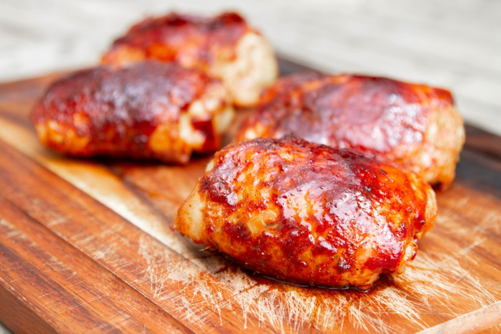 How to cook chicken thighs: perfect doneness