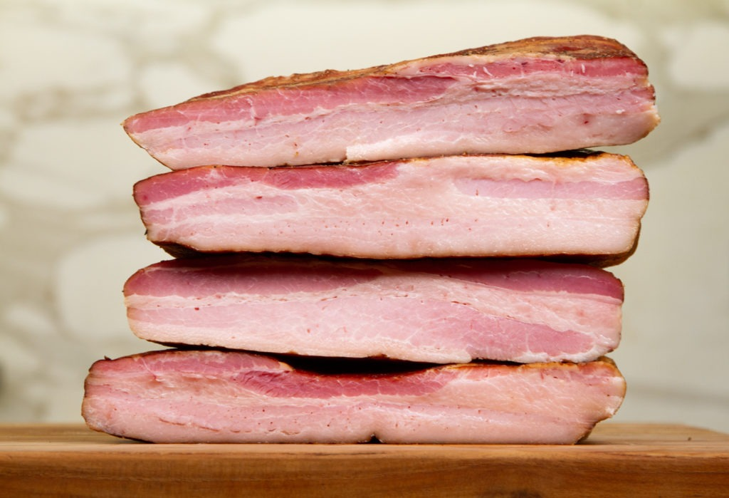 How to make bacon: recipe and temperature advice