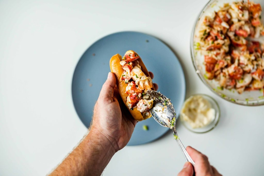 Spoon the lobster filling into the sandwiches.