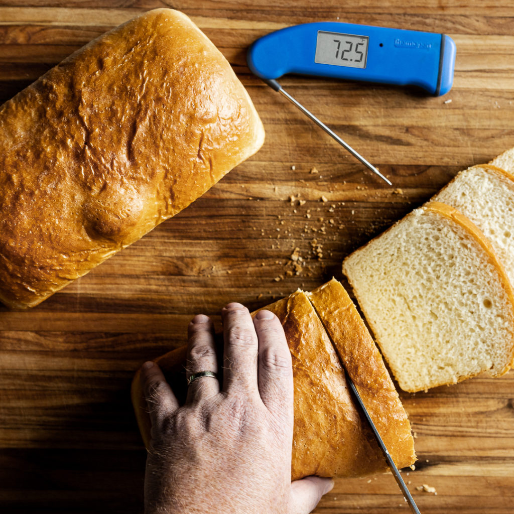 Slicing sandwich bread