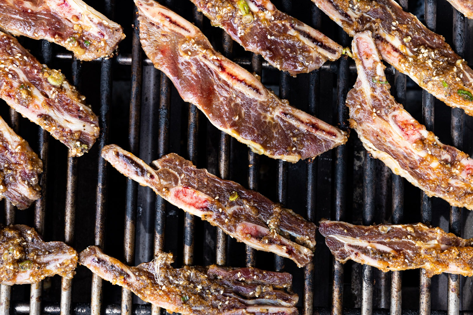 Flanken-cut ribs on the grill