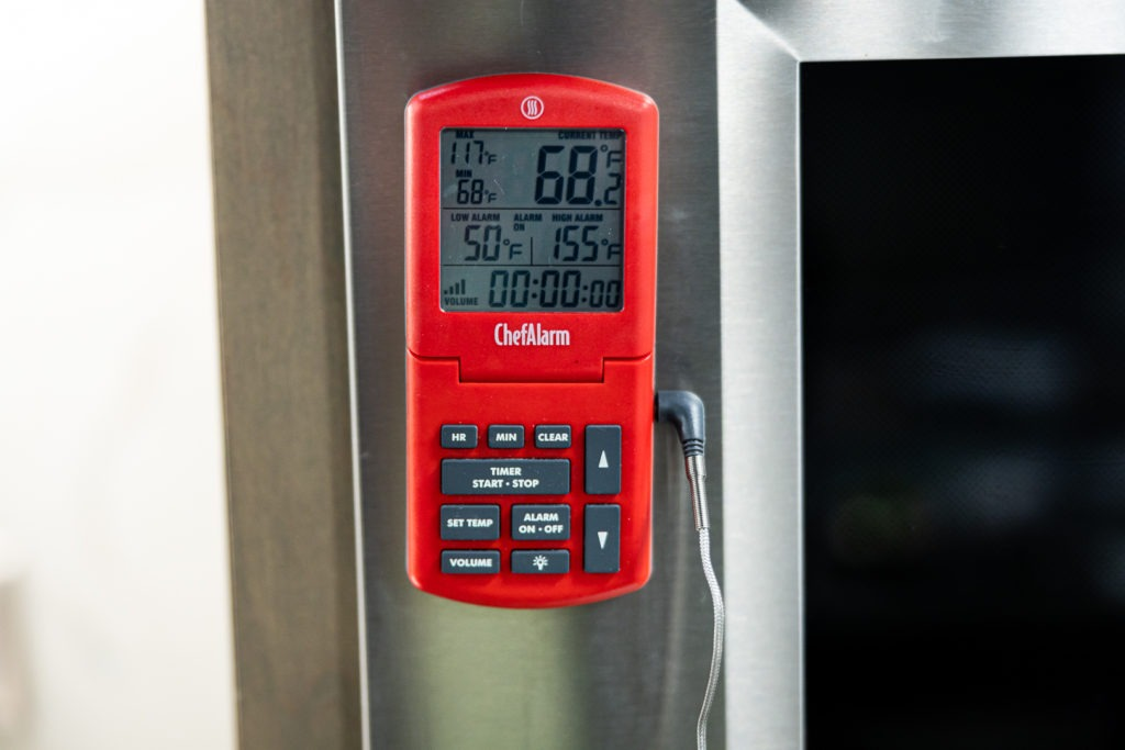 A leave-in probe thermometer set to 155°F