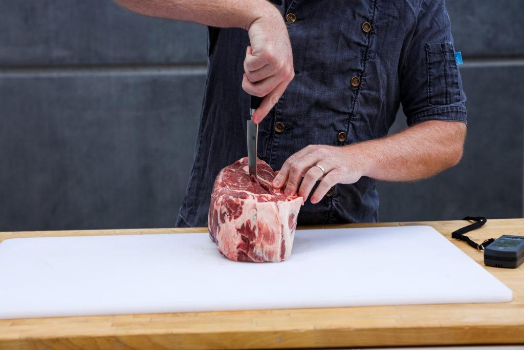De-boning a pork butt