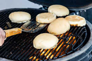 toasting buns on the grill