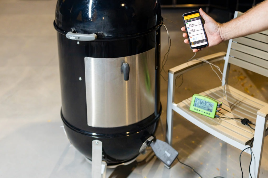 The app connects to Signals and runs the Billows fan ion the smoker