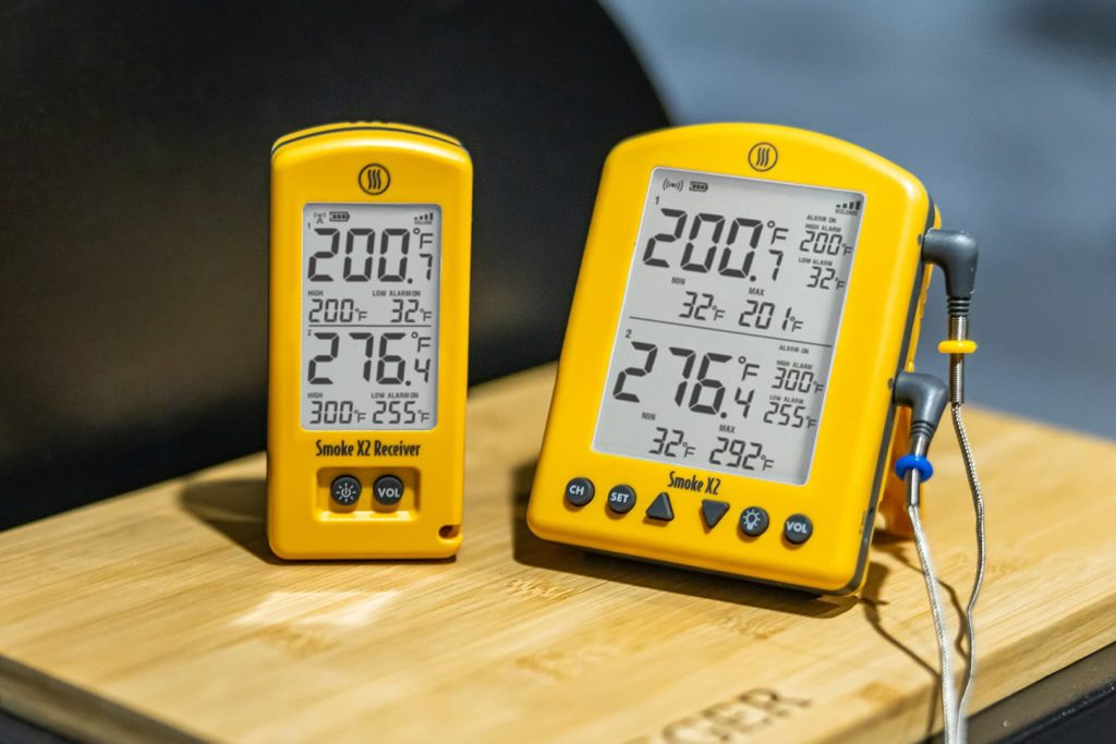 Smoke X2 showing the beef and pit temperatures